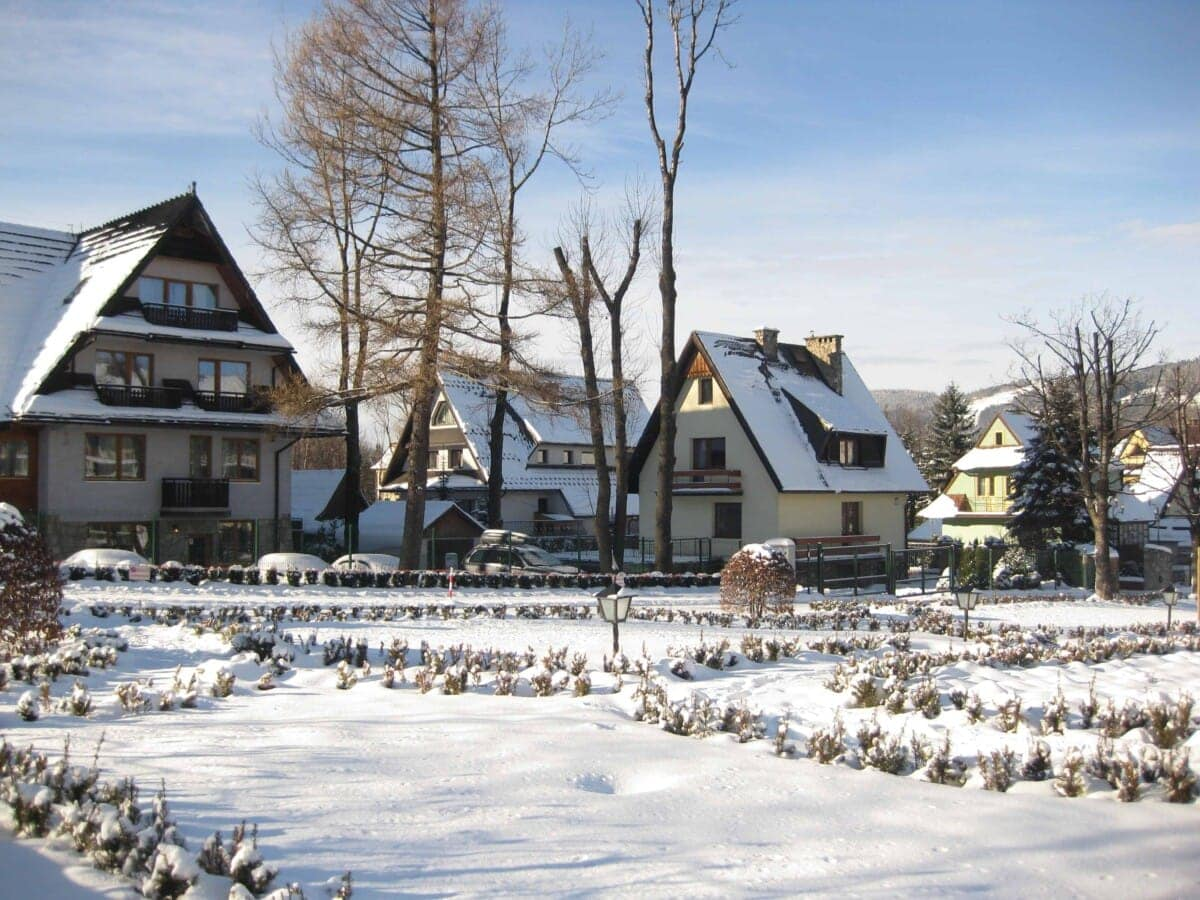Vendor Application Christmas In A Small Town Imperial Ca 2021 21 Magical White Christmas Destinations For 2021