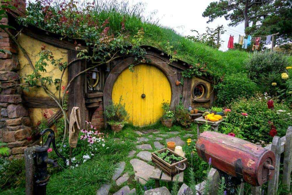 hobbiton movie set day trips from Auckland