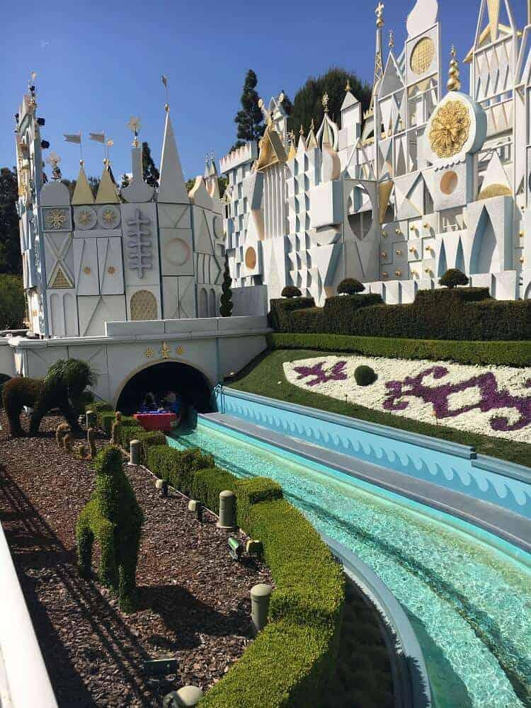 its a small world ride disneyland (1)