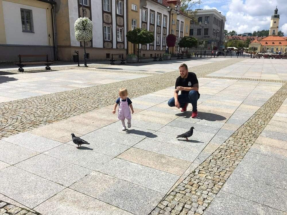 Travel with toddlers having fun