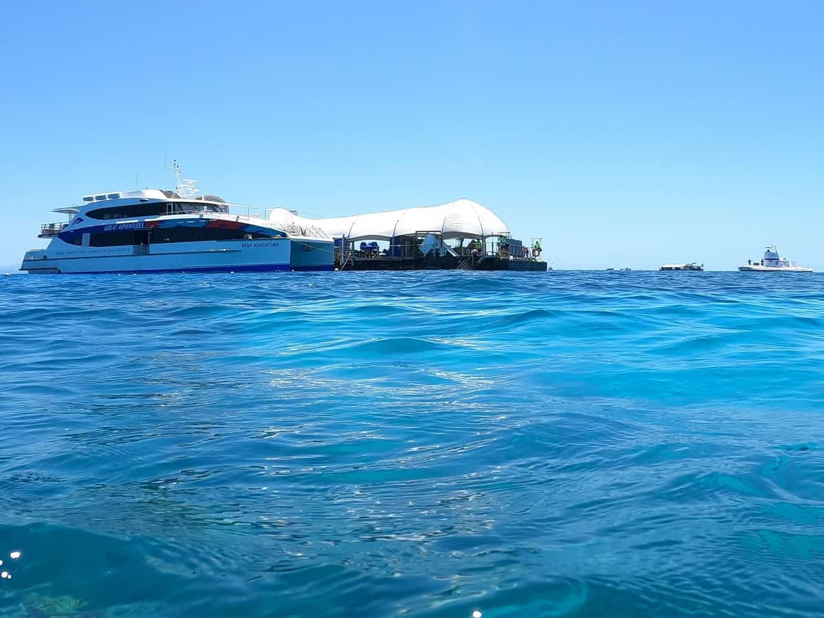 outer reef pontoon great barrier reef