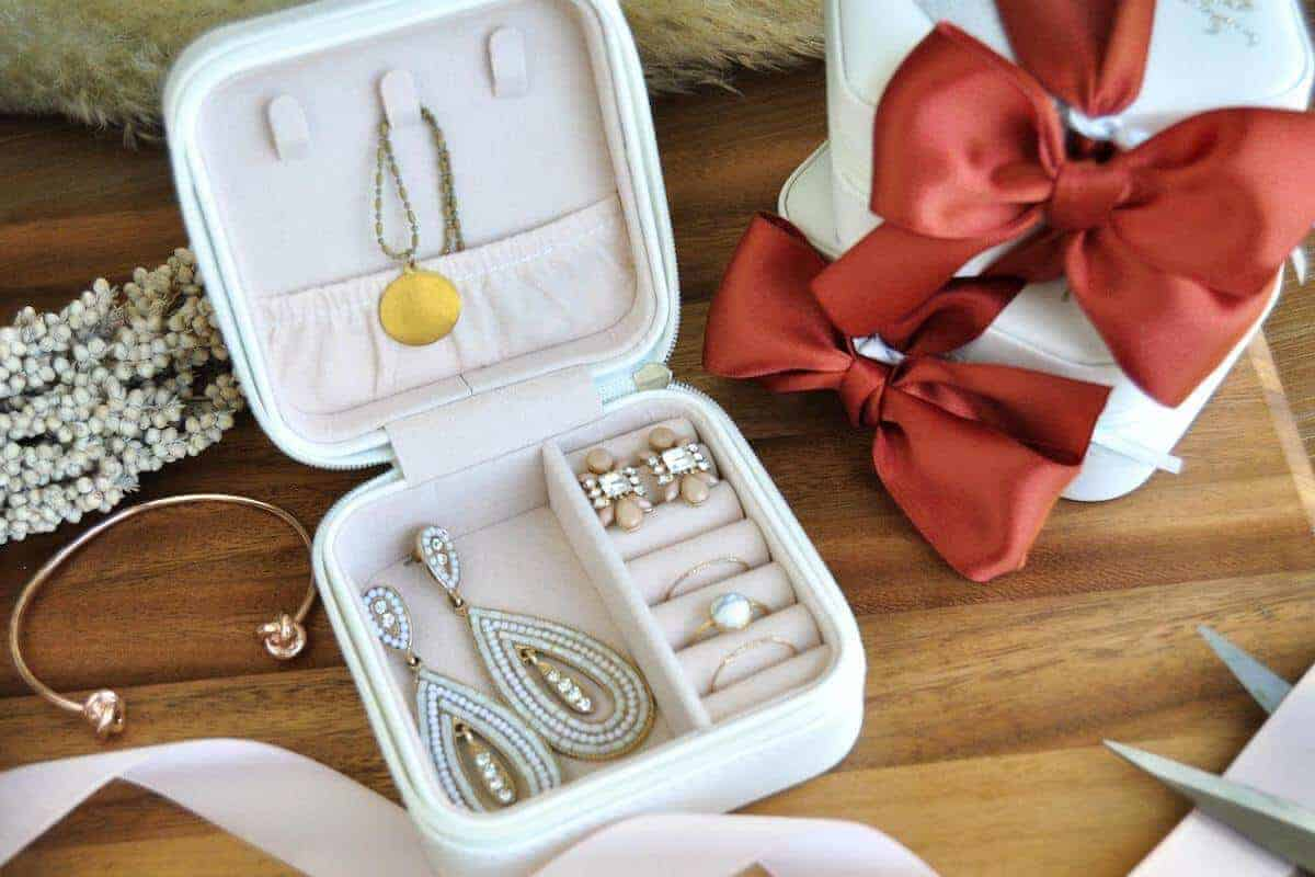 Travel jewellery organiser unique travel gifts for women