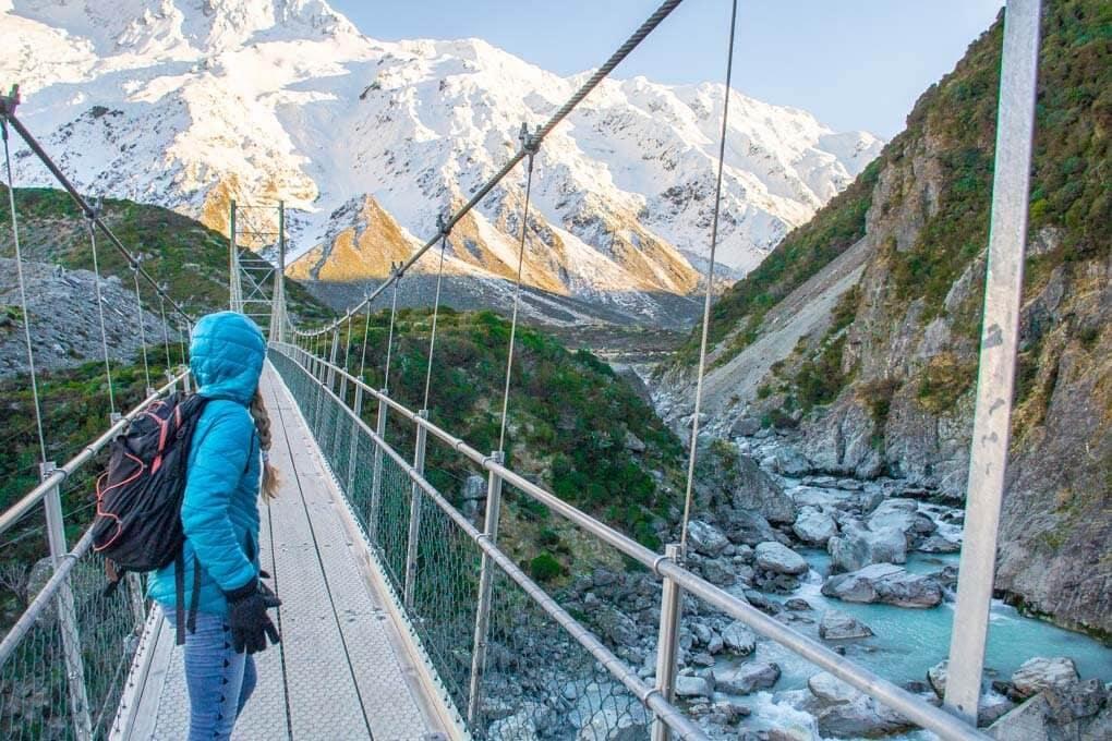 hooker valley suspension bridge new zealand south island