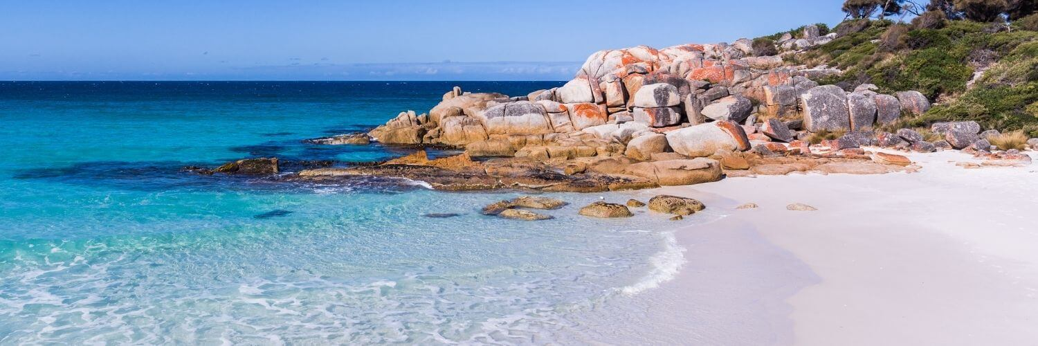The best beaches in Tasmania Australia bay of fires