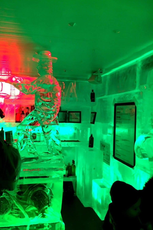 minus 5 ice bar queenstown sculptures