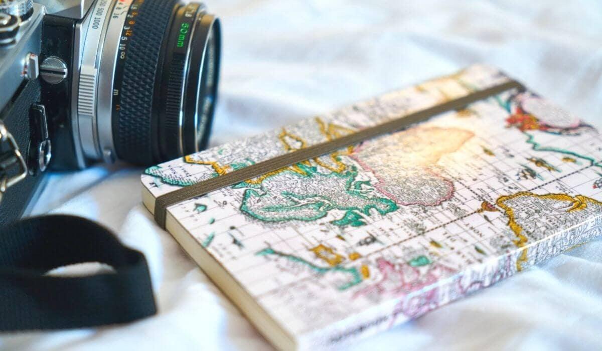 Travel journaling ideas and best travel journals