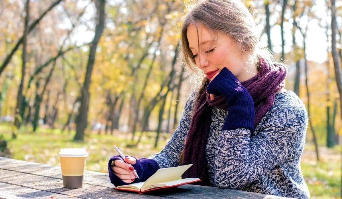 reflective travel journaling