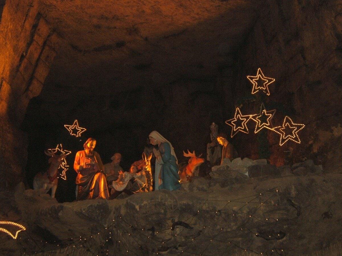 Valkenburg christmas market in cave